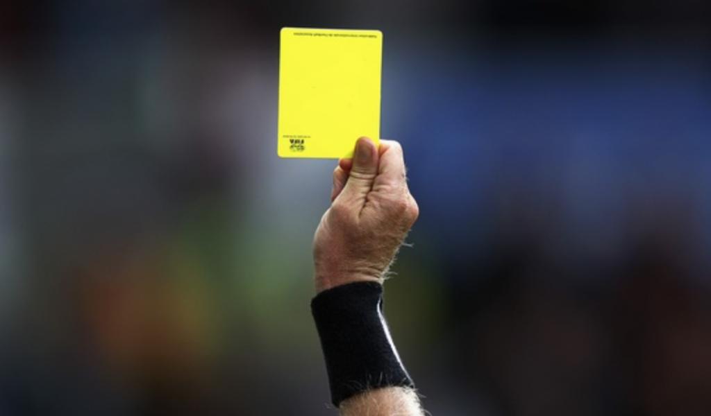 fodbold dommer regler